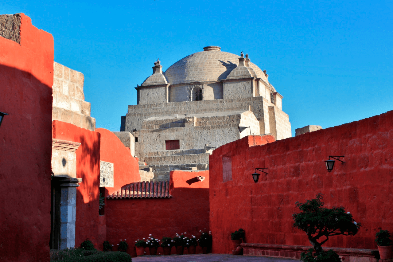 Walking Arequipa City Tour + Monastery